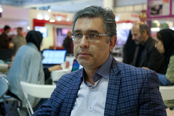 Expert Ali Abulfat'h calls Zarif brand of Iran's rationality